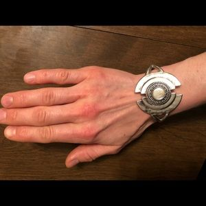 Lucky Brand Mother of Pearl shell bracelet NWOT
